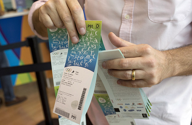 OLYMPICS/ Japan scrambles for tickets, rest of world waits